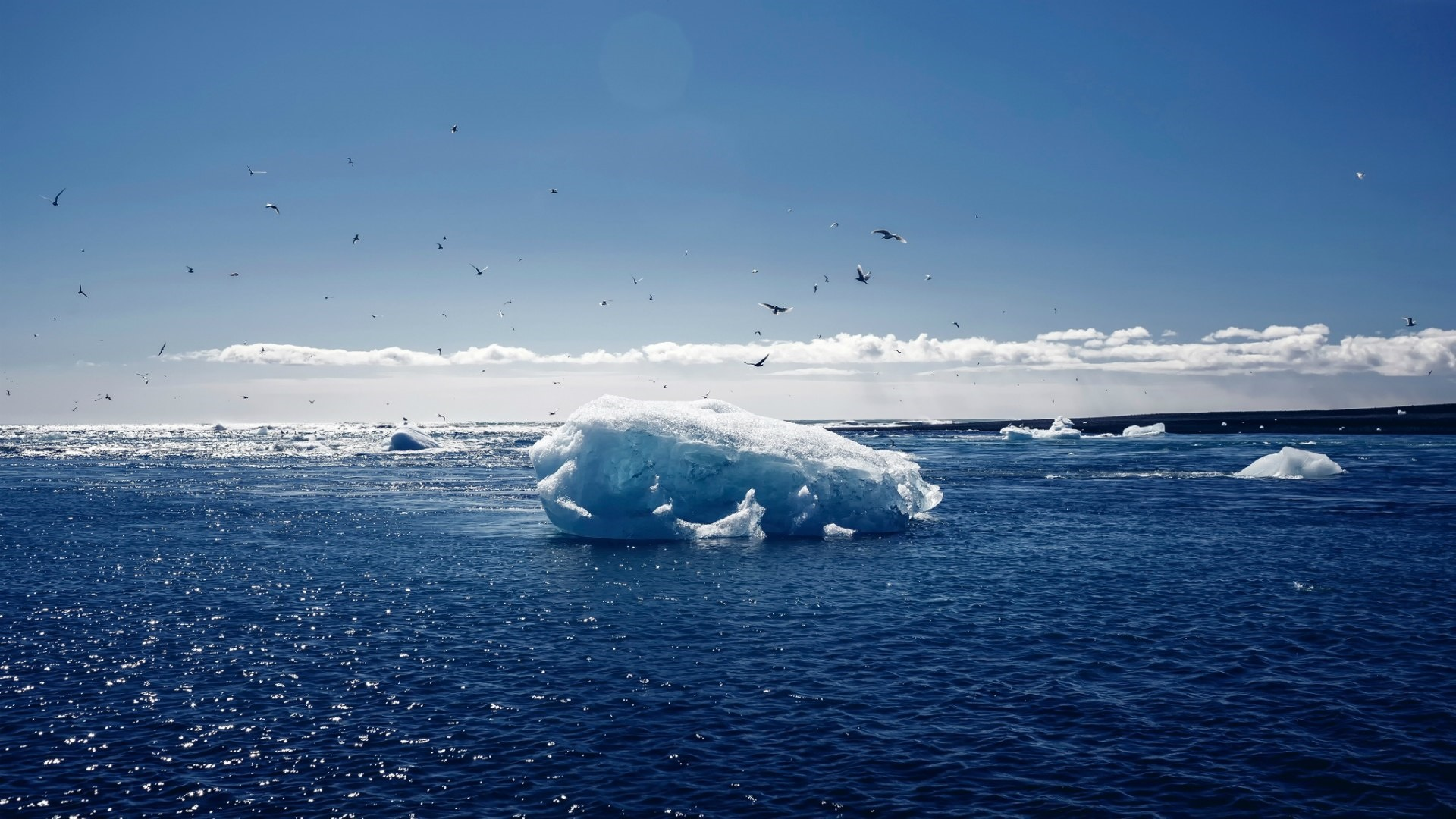 Iceberg in the middle of the ocean wallpaper