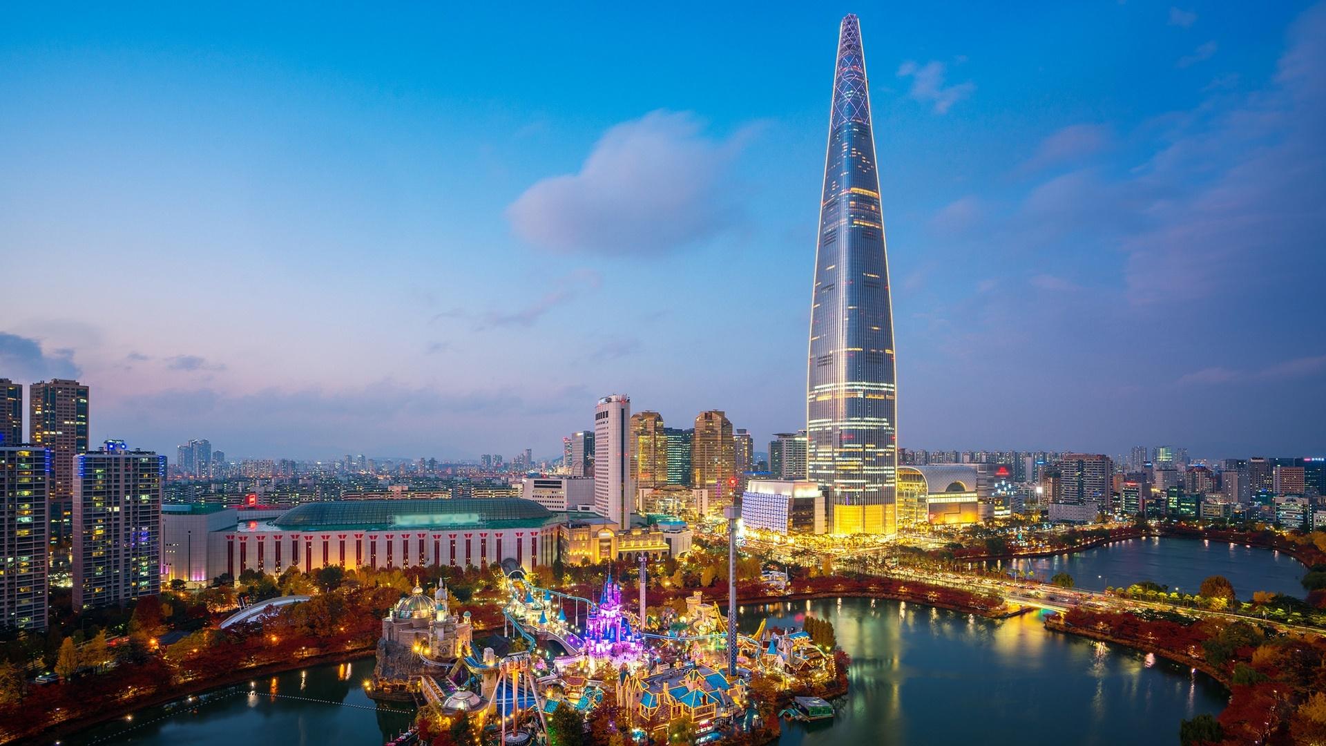 Lotte World Tower in Seoul wallpaper
