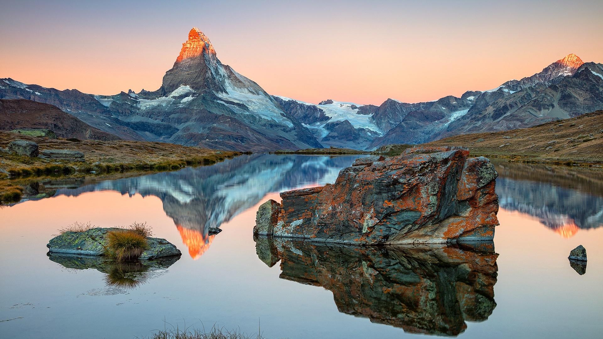Stellisee reflected the Matterhorn wallpaper