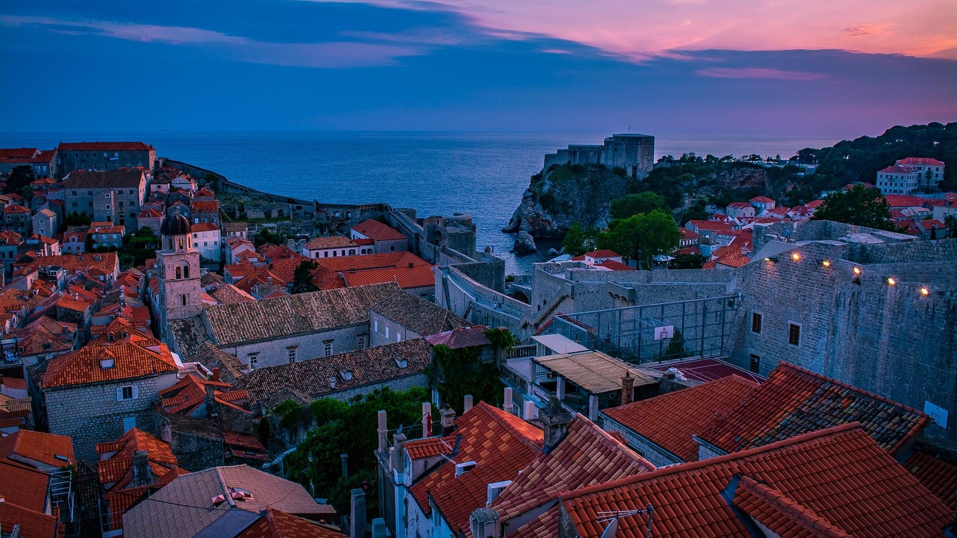 Walls of Dubrovnik (Muralles de Dubrovnik) wallpaper