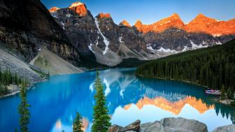 Valley of the Ten Peaks with Moraine Lake, Banff National Park wallpaper