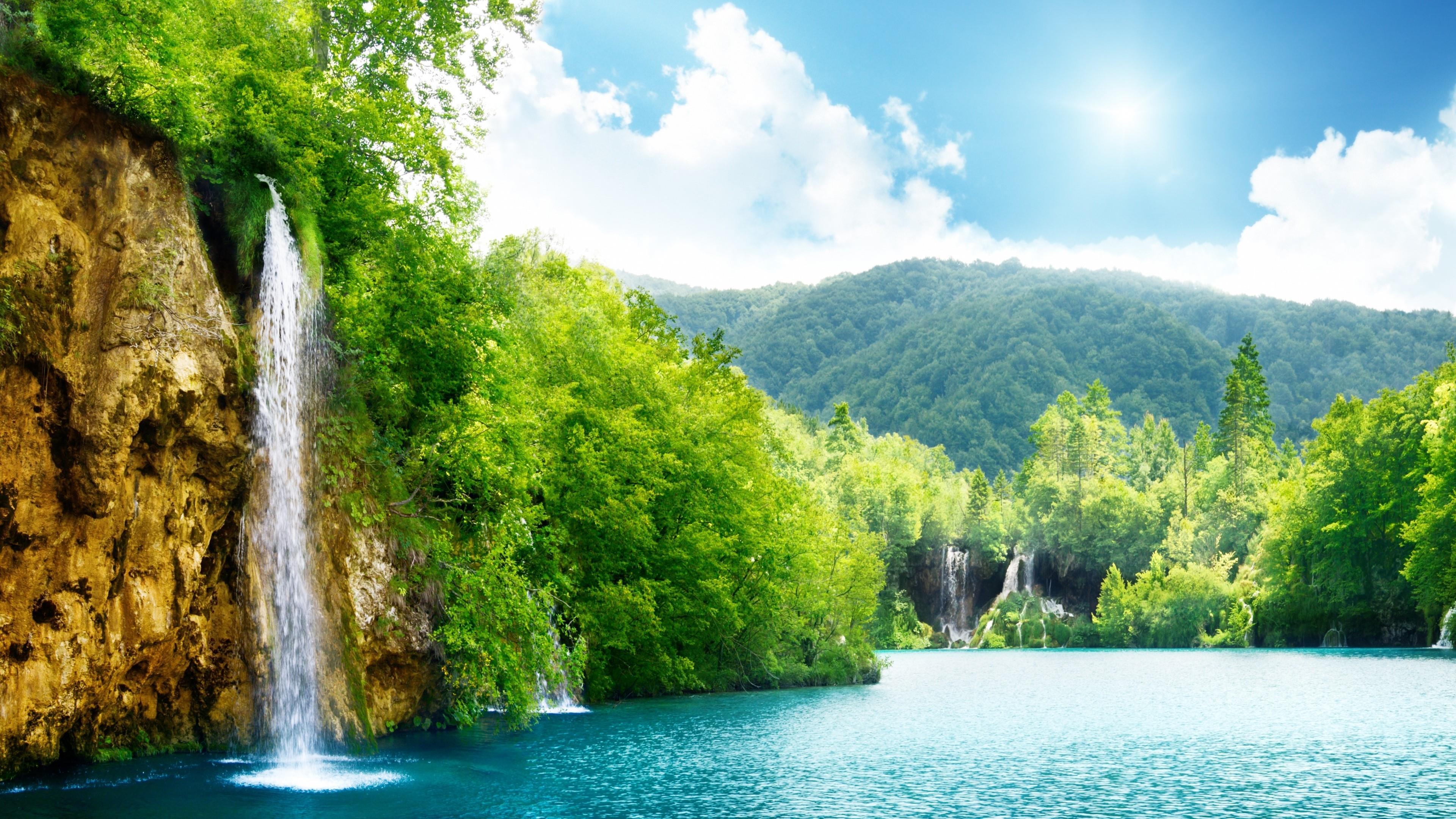 Waterfalls at Plitvice Lakes National Park wallpaper