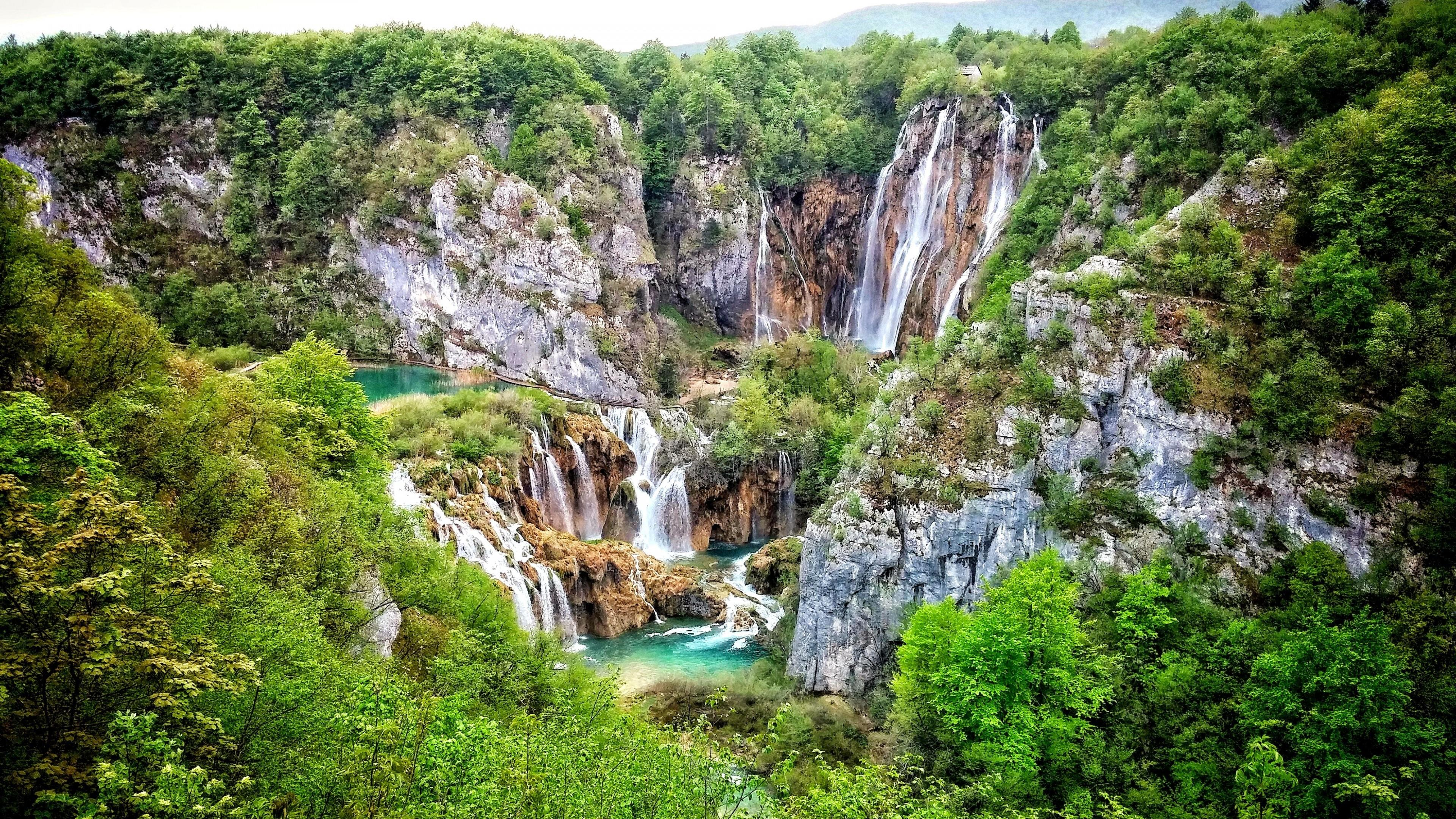 Waterfalls at Plitvice Lakes National Park ⛰️ wallpaper