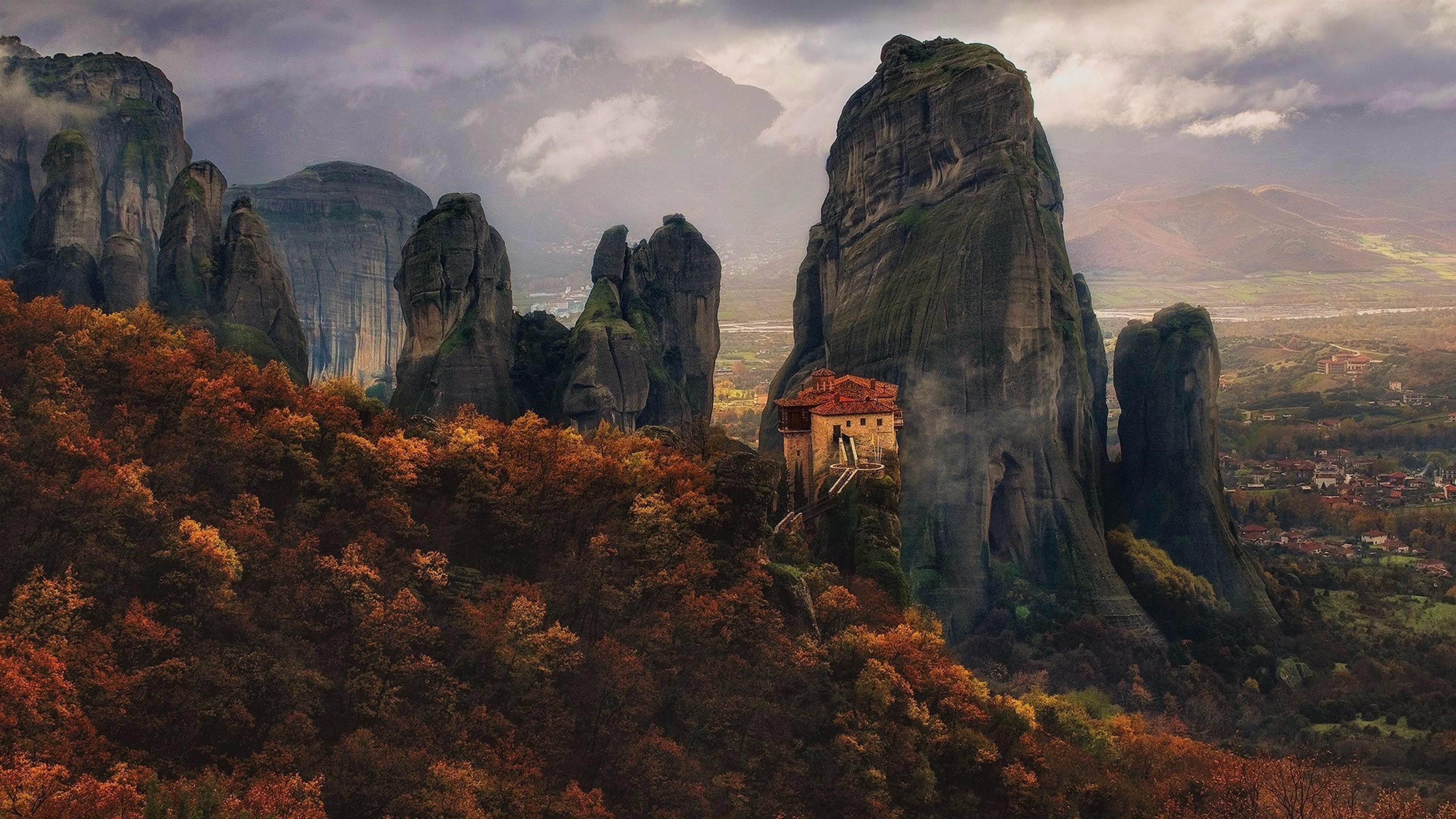 Monastery of Rousanou - Meteora, Greece wallpaper