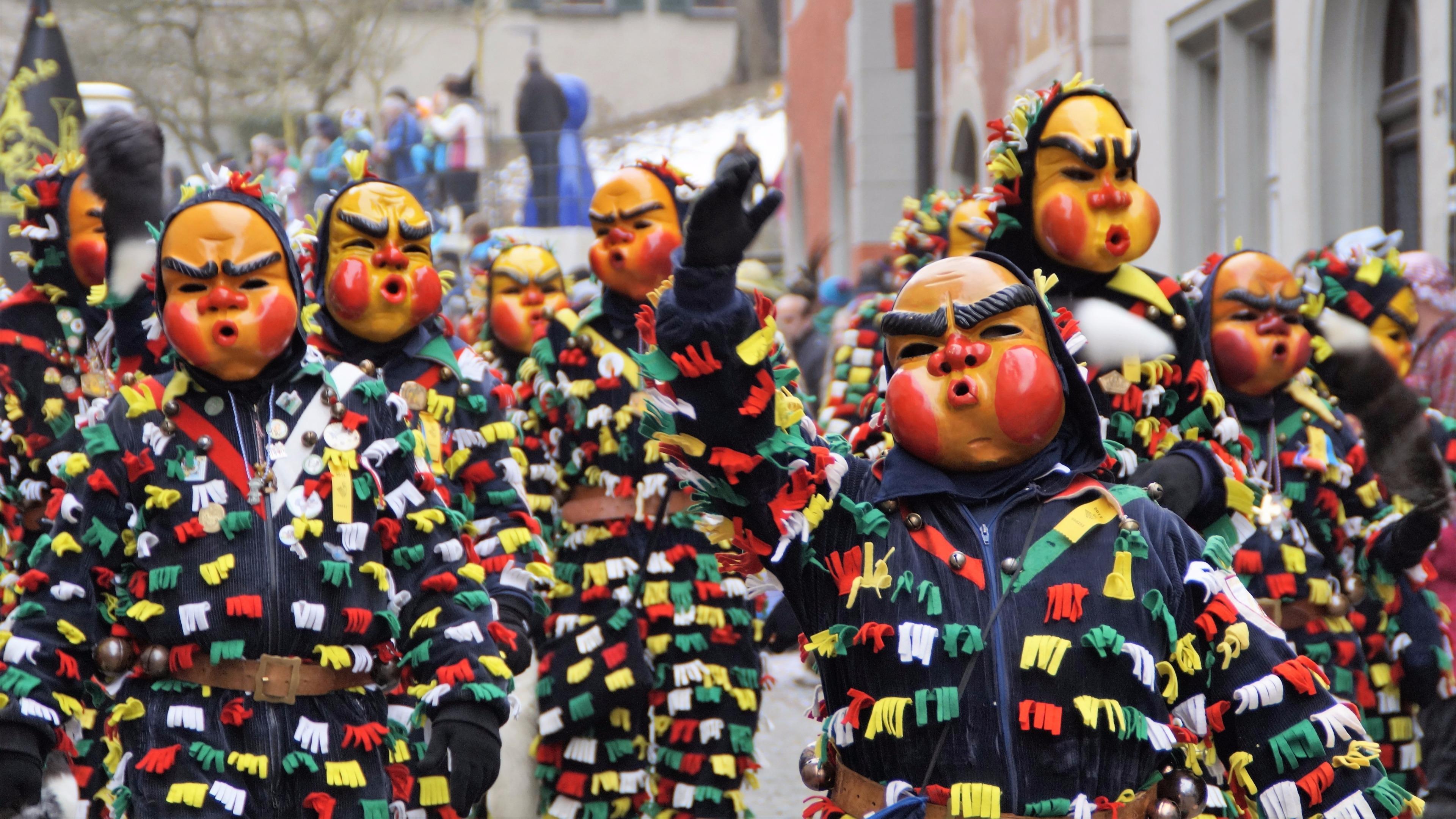Carnival in Holland wallpaper