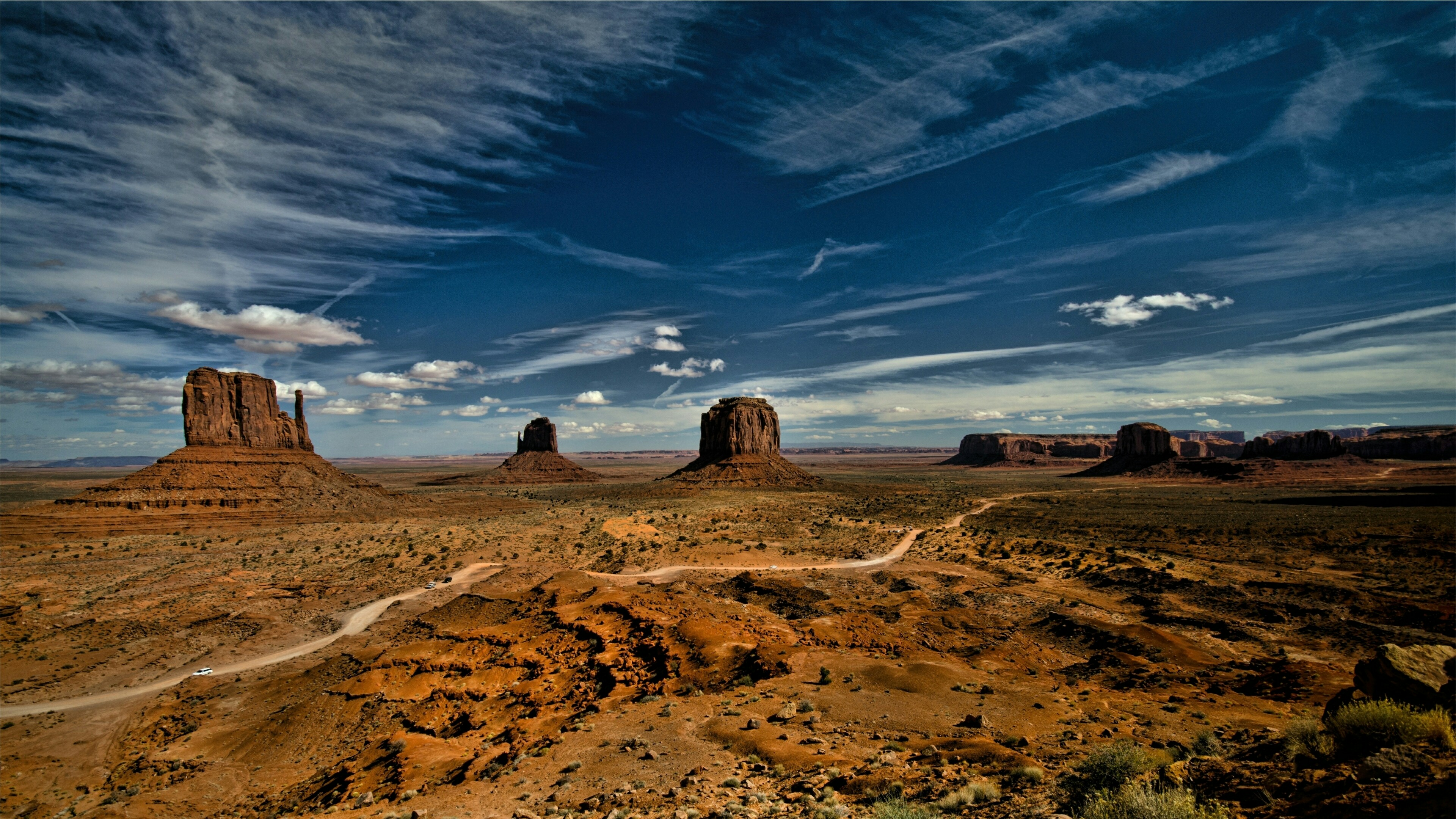 West and East Mitten Buttes - Colorado Plateau wallpaper