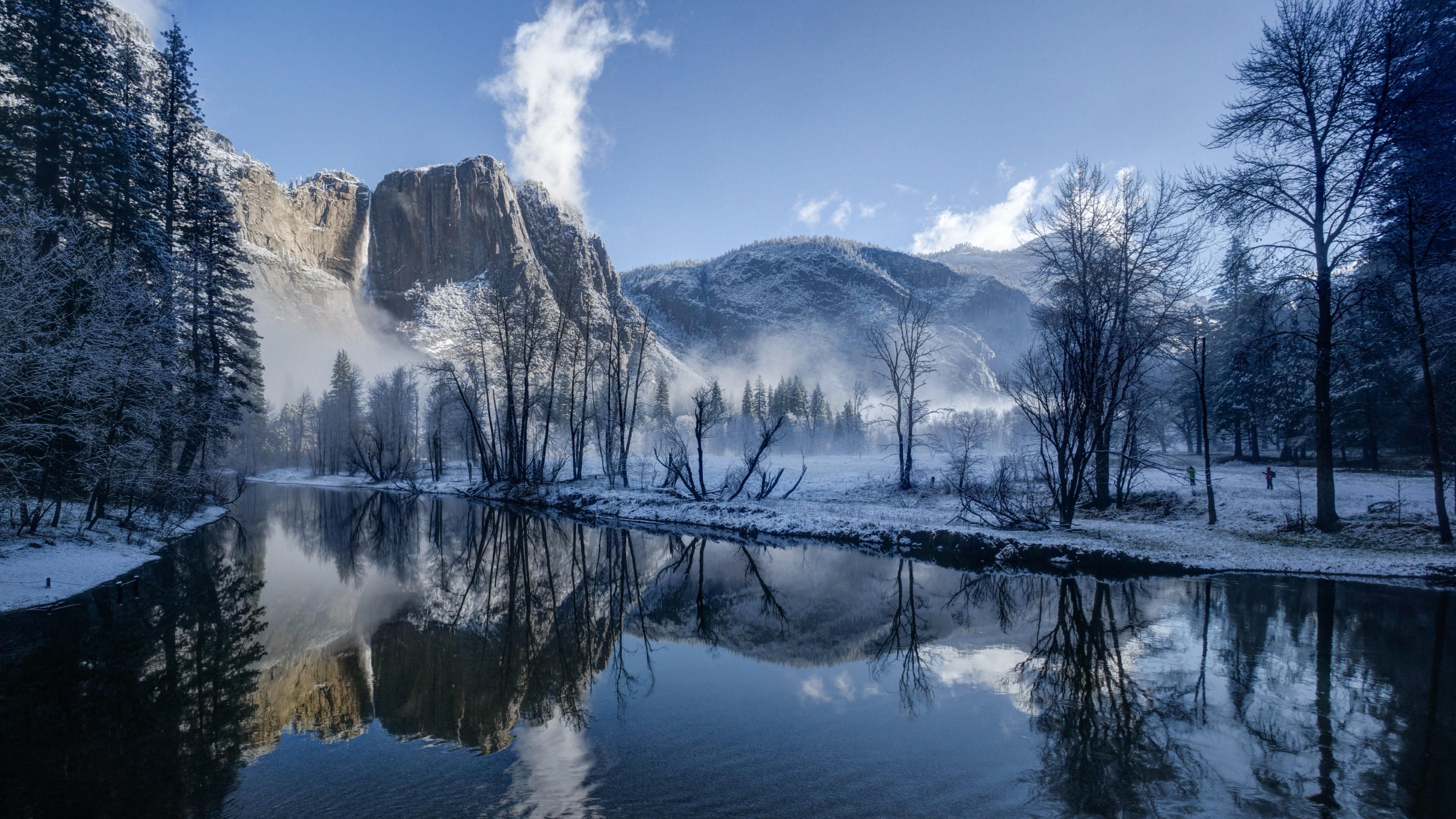 Merced River in Yosemite Valley (Yosemite National Park, CA) wallpaper