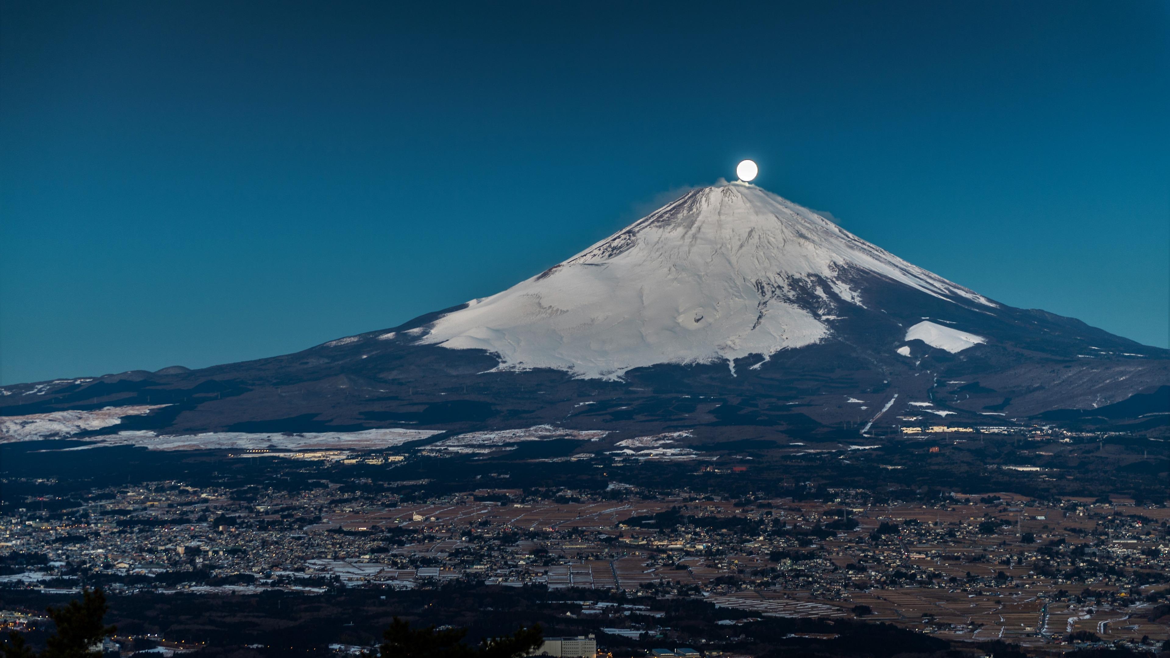 Full moon on the top of Mount Fuji wallpaper