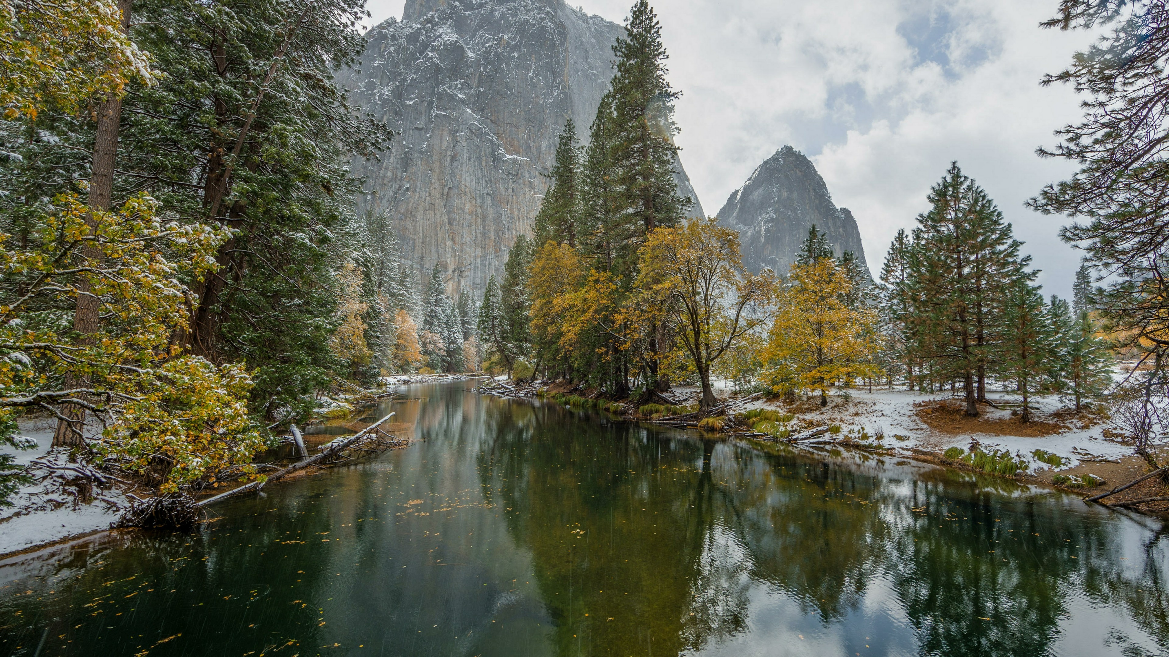 Autumn snow in Yosemite Valley, Yosemite National Park wallpaper