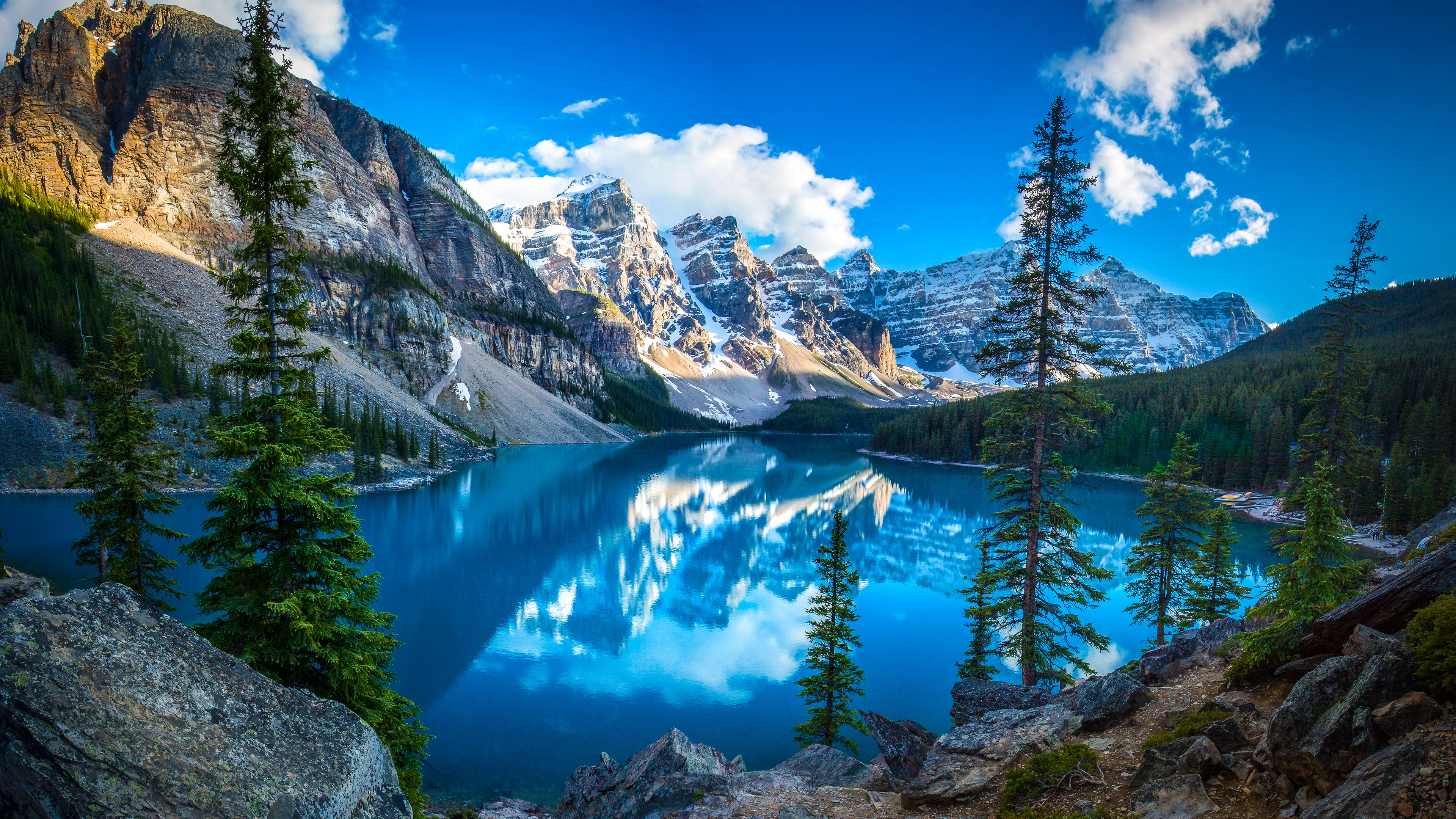 Moraine Lake (Valley of the Ten Peaks, Canada) wallpaper