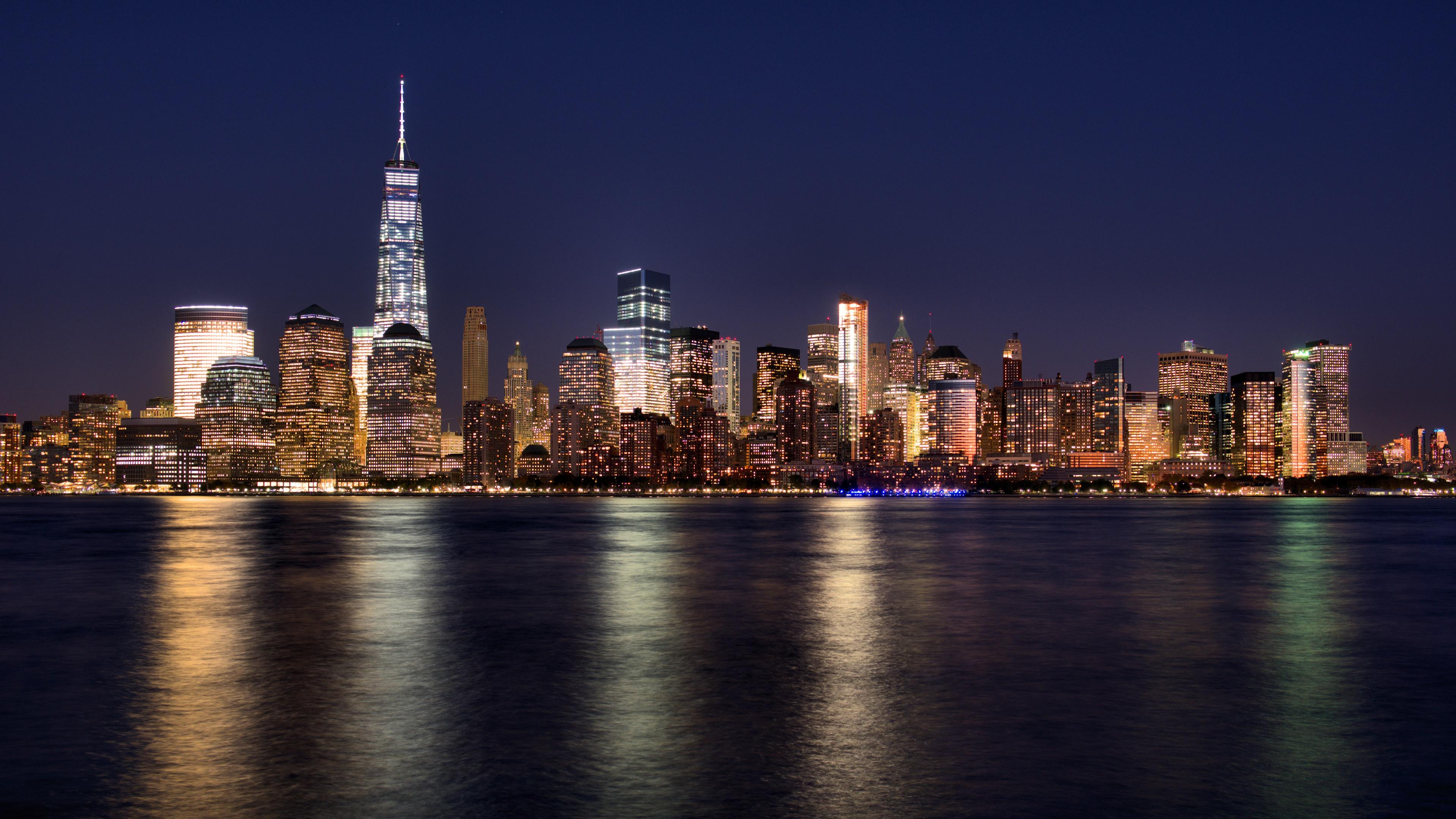 Lower Manhattan's lights at night wallpaper