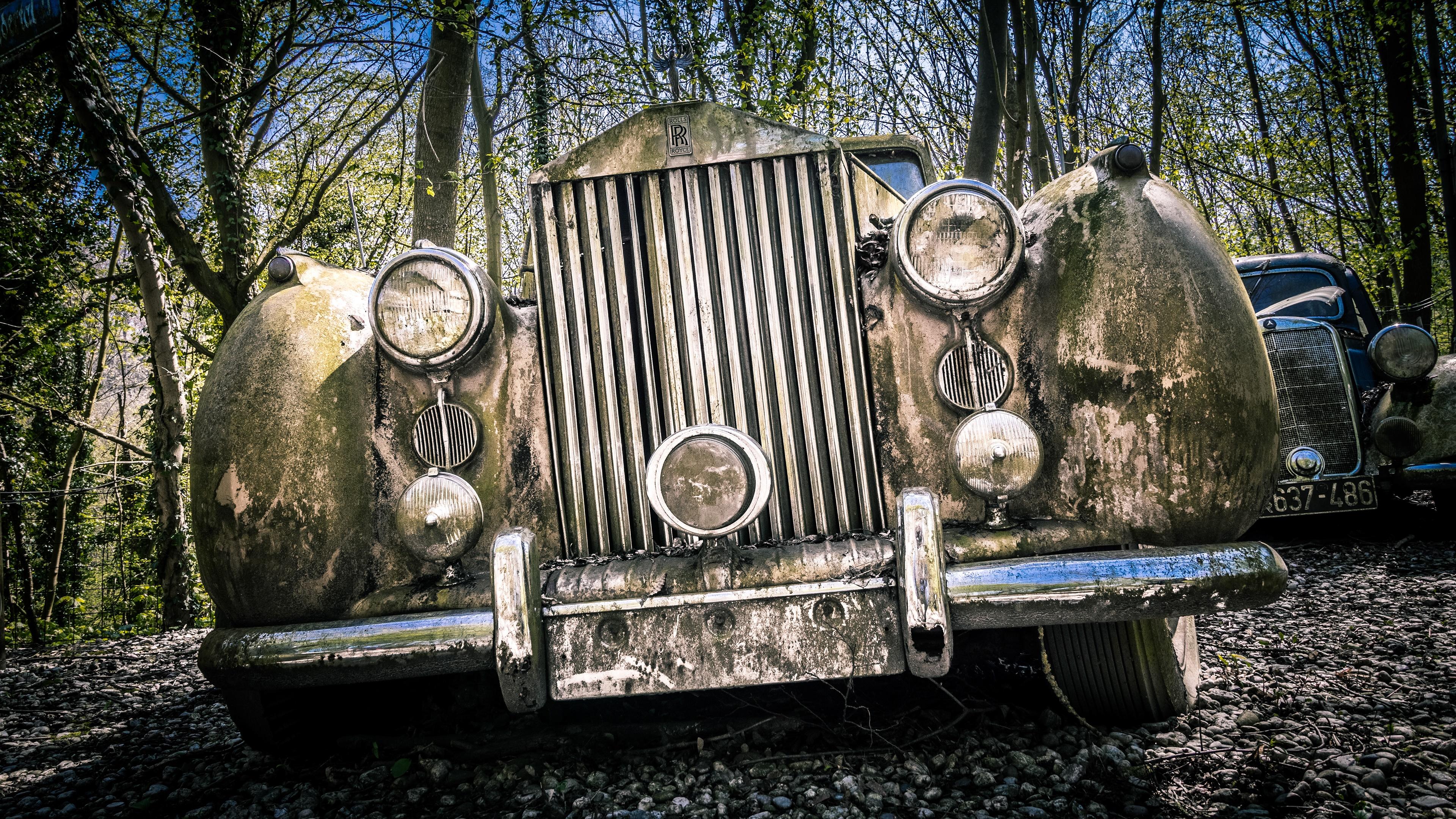 Abandoned Rusty Antique Rolls Royce 4k Ultrahd Wallpaper Backiee