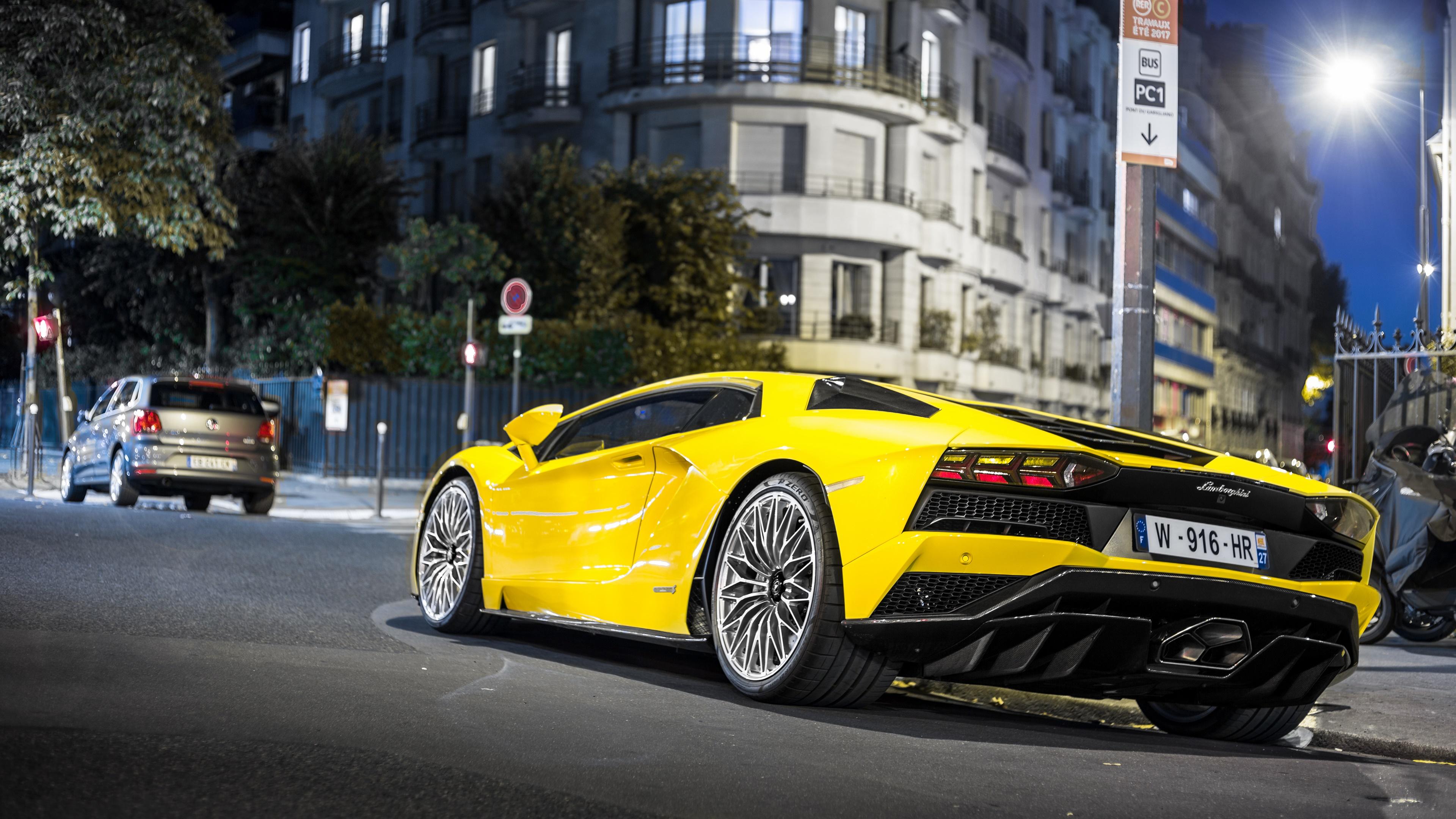 Yellow Lamborghini Aventador 4k Ultrahd Wallpaper Backiee Free