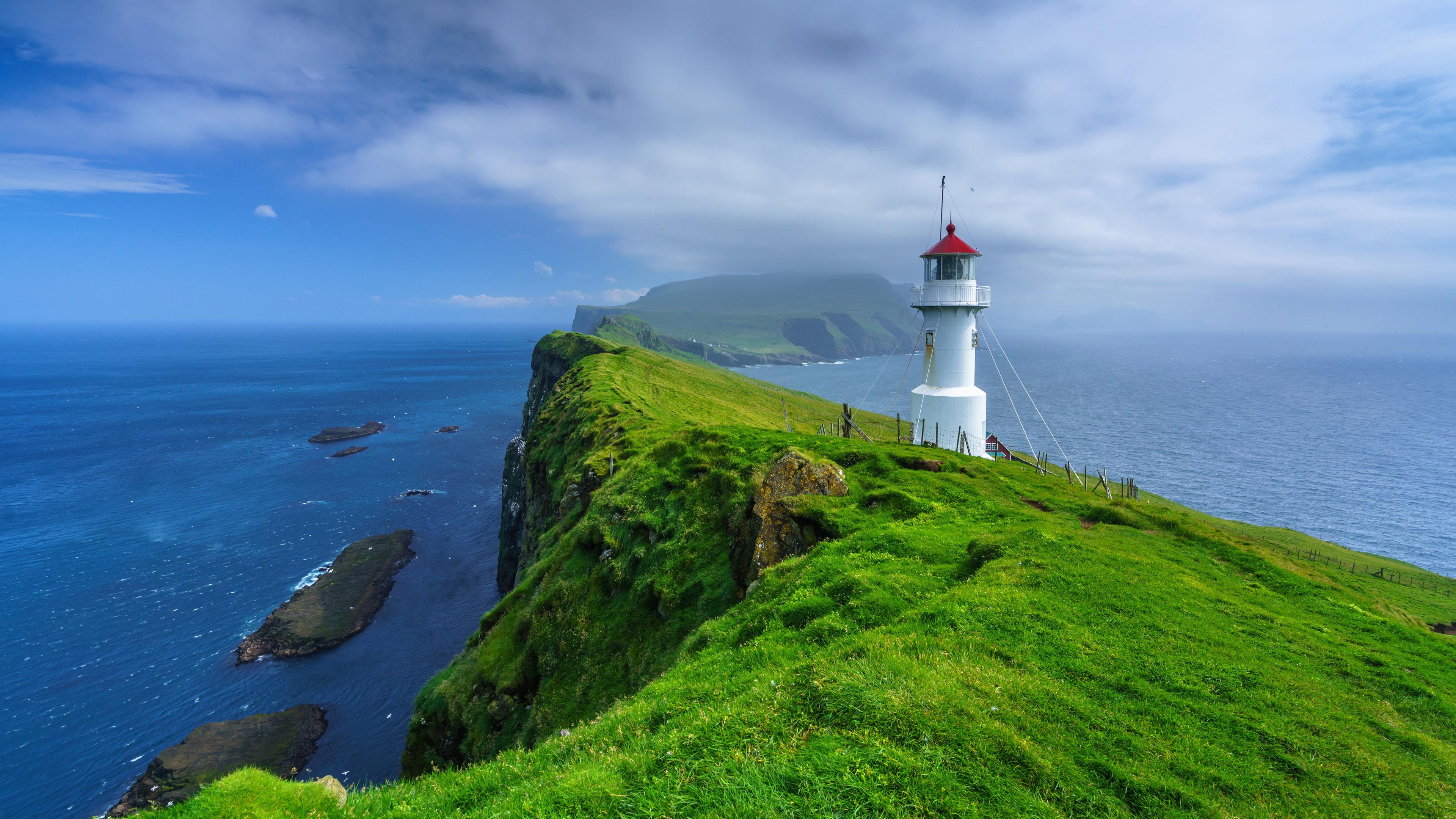 Mykines Hólmur Lighthouse, Faroe Islands wallpaper