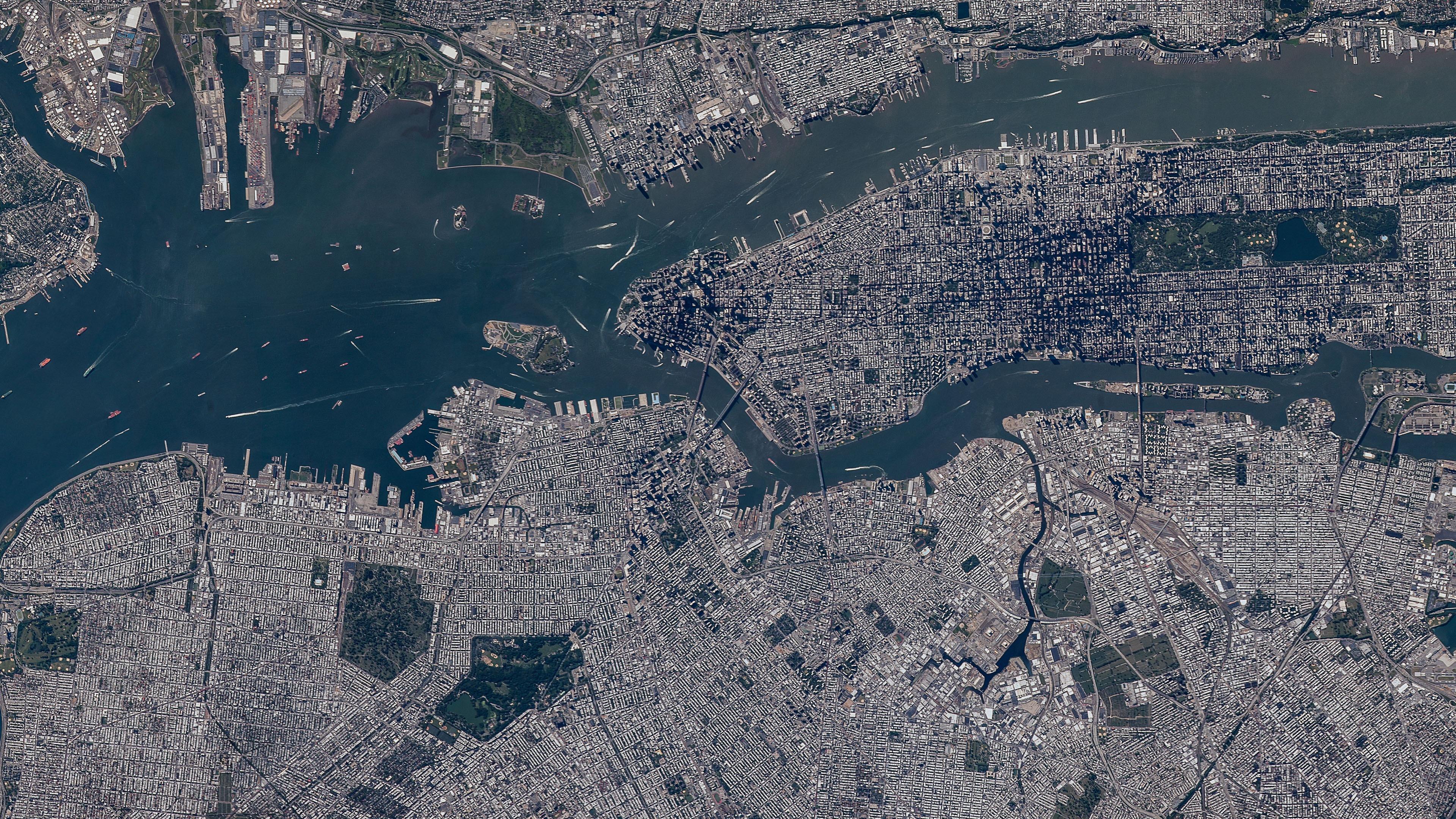Brooklyn, Queen & Manhattan Viewed from a Satellite wallpaper