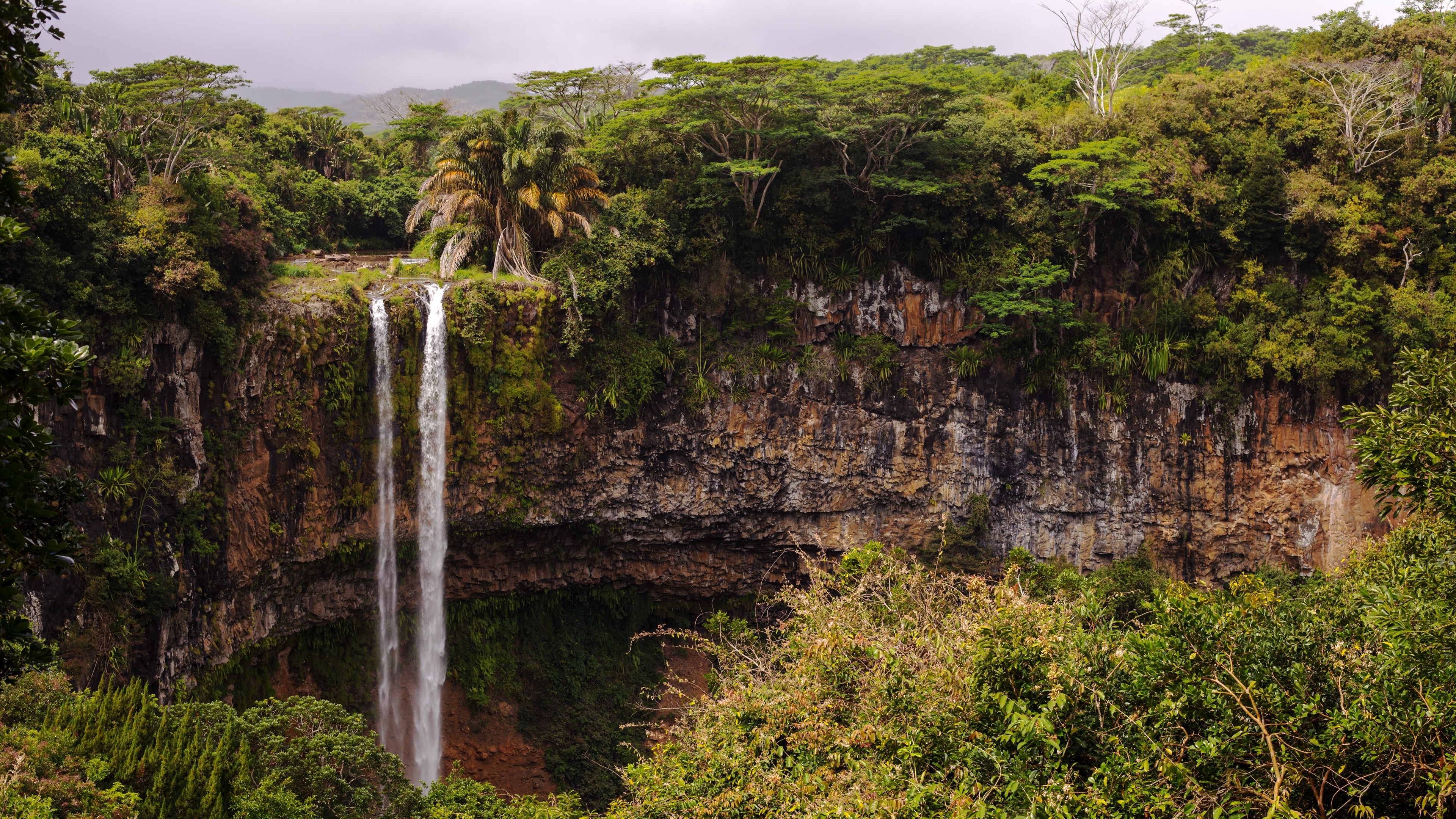 Chamarel Waterfall wallpaper