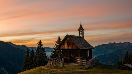Kapelle Rellseck Wooden chapel in Austria wallpaper