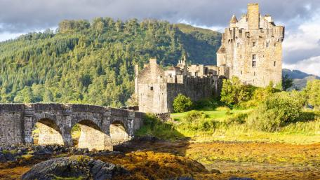 Eilean Donan Castle wallpaper