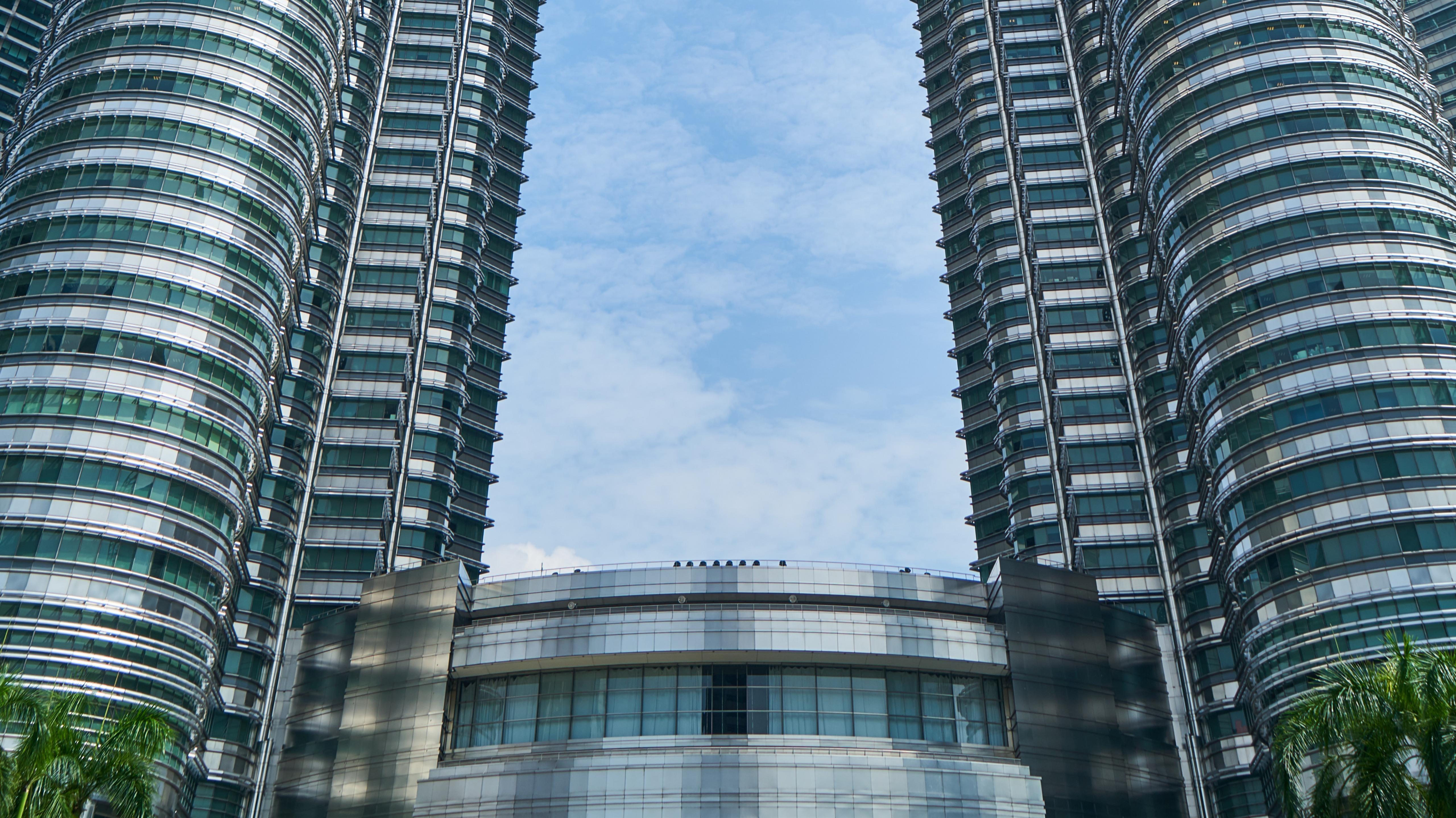 Petronas Towers Bottom Floors wallpaper