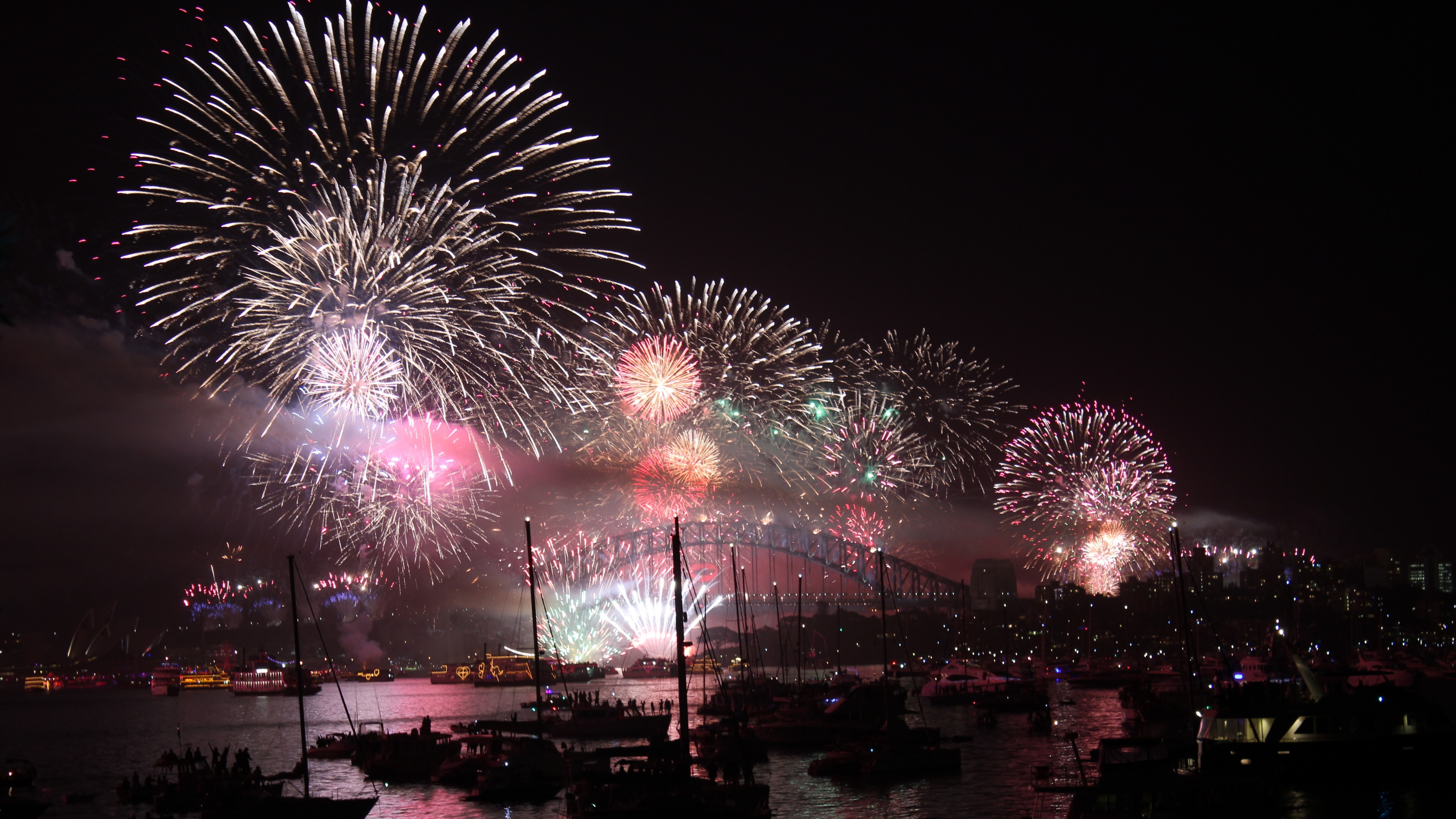 Fireworks in Sydney, Australia wallpaper