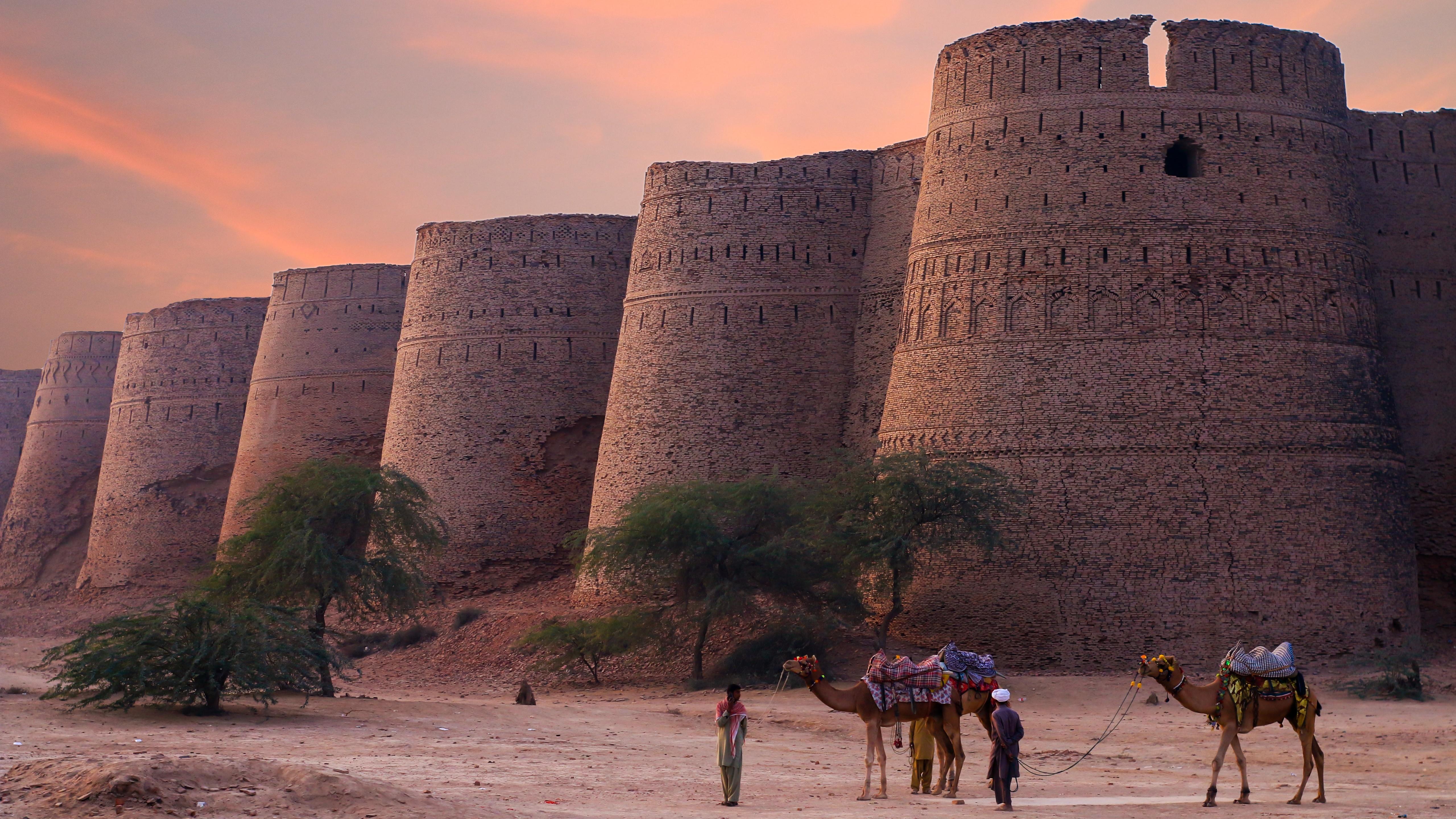 Derawar Fort (Pakistan) wallpaper