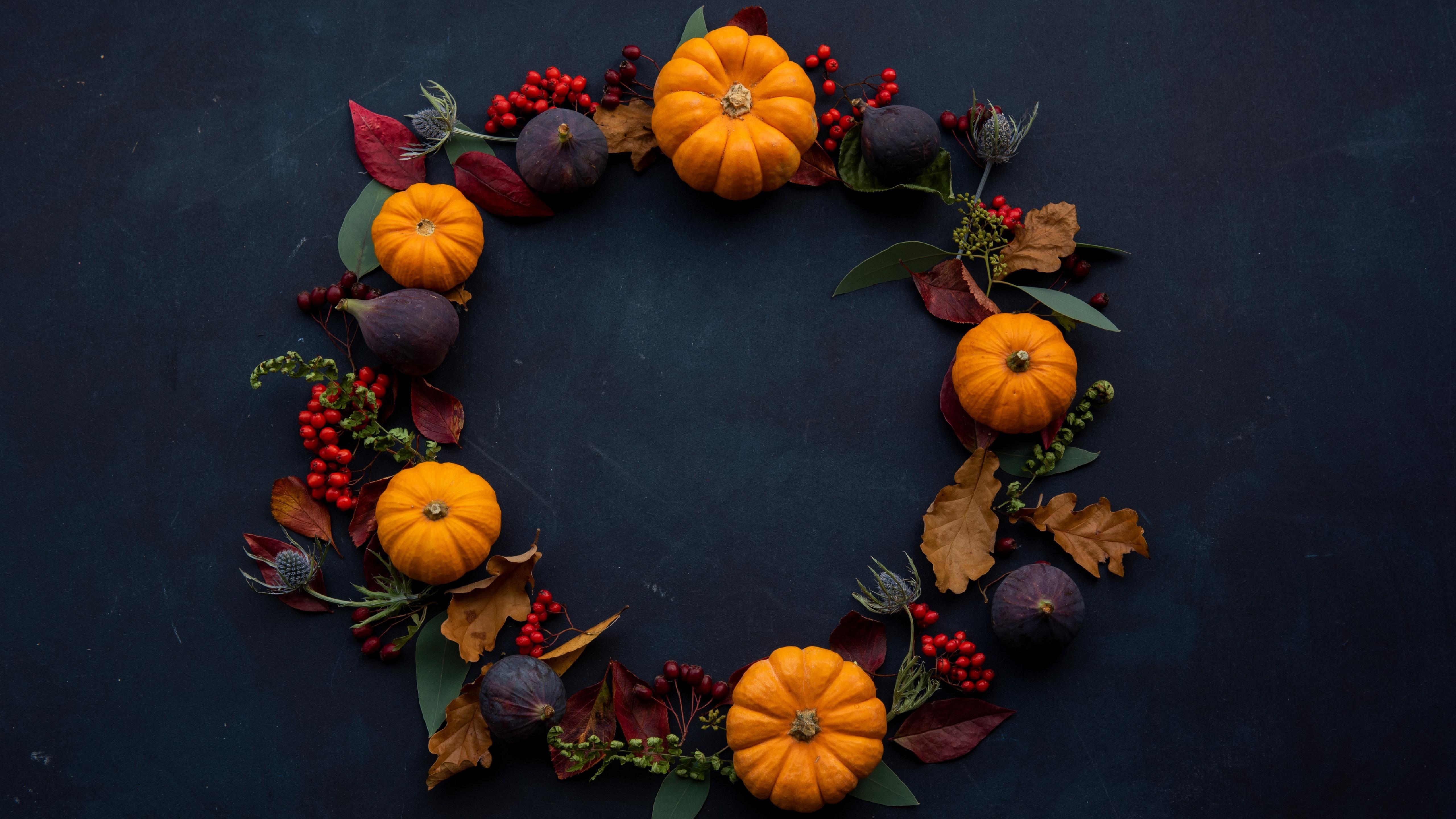 Halloween wreath wallpaper