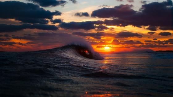 Sunrise over the ocean wallpaper