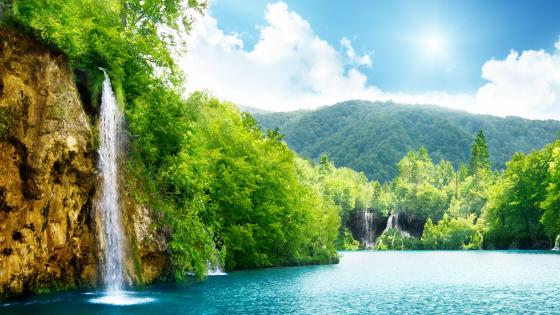 Waterfalls at Plitvice Lakes National Park wallpaper