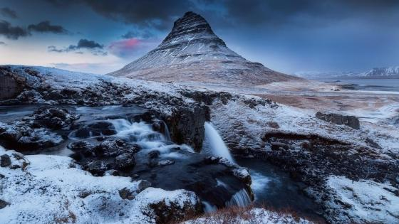 Kirkjufell Mountain wallpaper