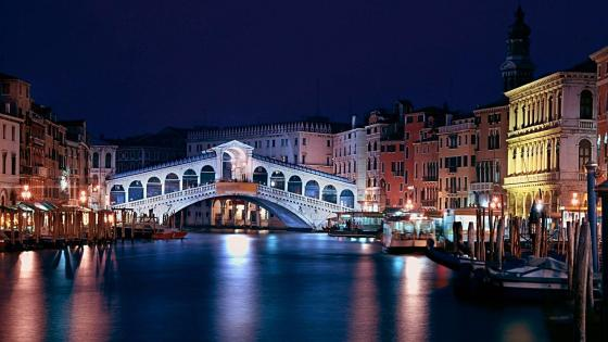 Venice canal with bridge - Italy wallpaper