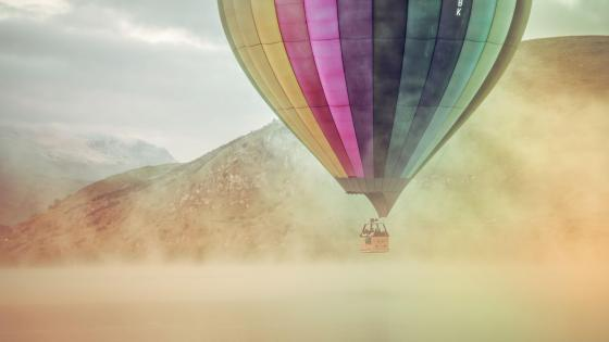 Colorful hot air balloon wallpaper