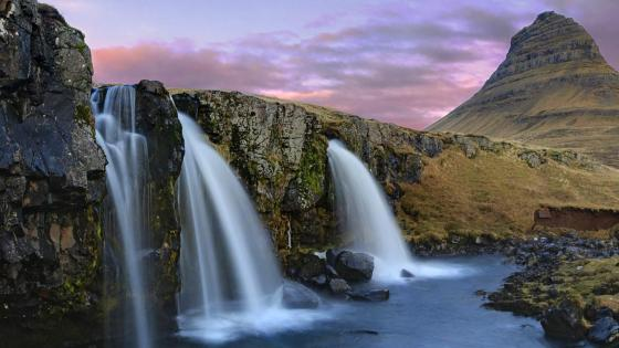 Kirkjufell Waterfalls wallpaper