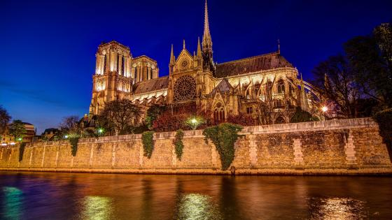 Notre Dame at night - Paris, France wallpaper