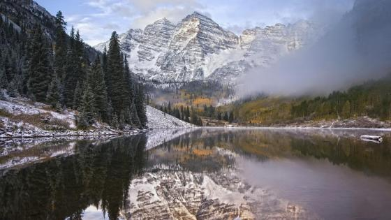 Foggy Maroon Bells wallpaper