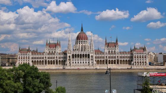 Hungarian parliament wallpaper