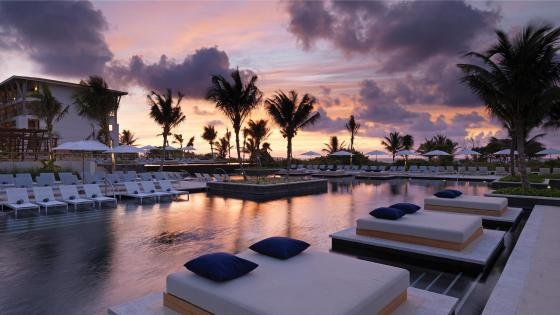 Luxury resort in Mexico wallpaper