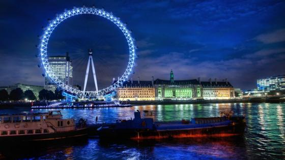 London Eye at nigh wallpaper