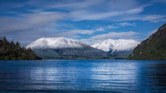 New Zealand - Lake Wakatipu wallpaper