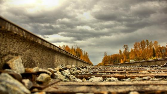 Long rails in Alaska wallpaper