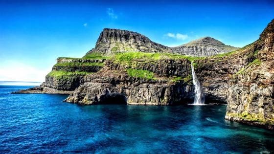 Mulafossur Waterfall, Faroe Islands wallpaper