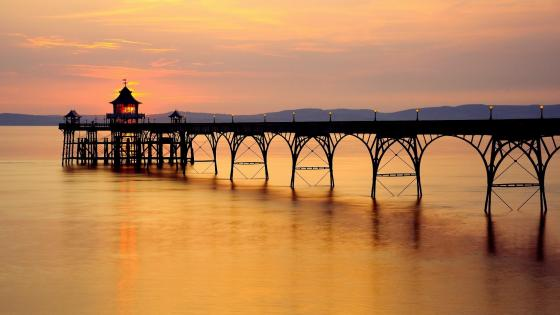 Clevedon Pier in the sunset, England wallpaper