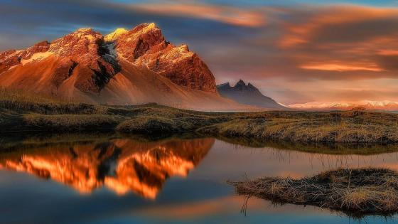 Reflection in water - Vestrahorn, Iceland wallpaper