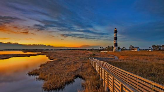 Bodie Island Lighthouse - Outer Banks, North Carolina wallpaper
