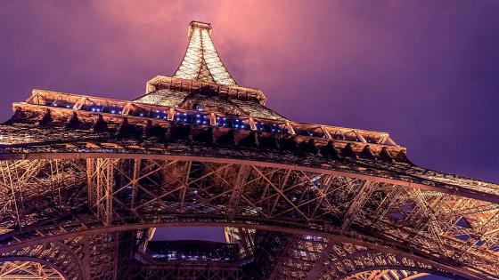Eiffel Tower at night  wallpaper