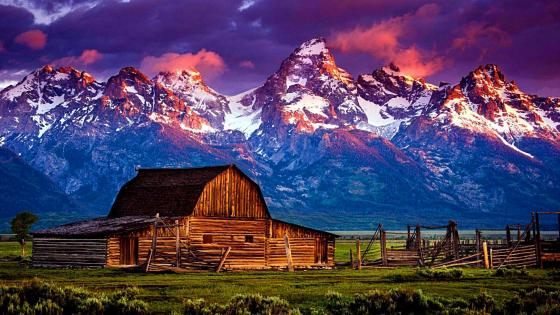 Mormon Barn in the Antelope Flats, Grand Teton National Park wallpaper