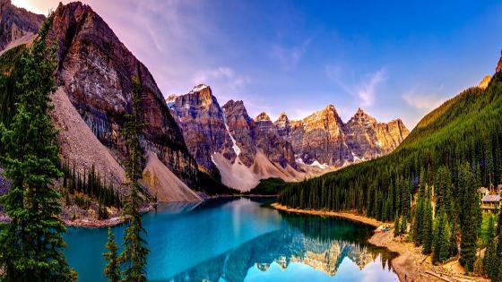 Moraine Lake - Valley of the Ten Peaks ⛰️ wallpaper