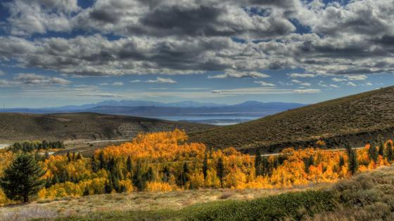 Mono Lake - California, United States wallpaper