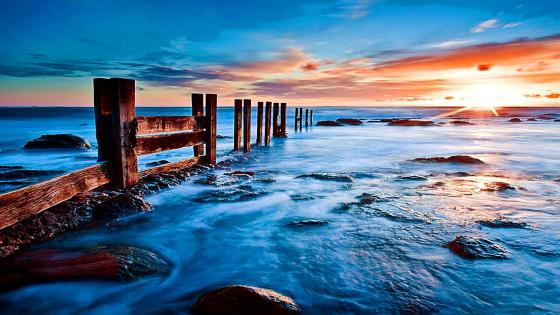 Sea shore in the sunset wallpaper