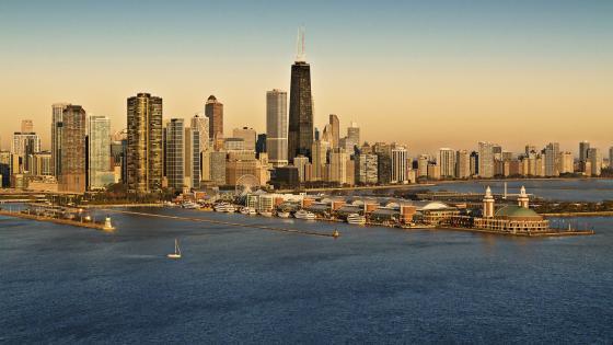 Chicago coastline & Navy Pier wallpaper