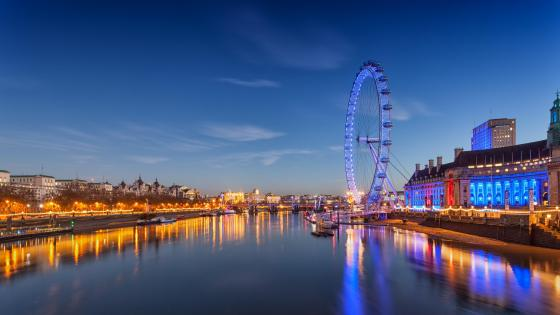 London Eye and the Thames wallpaper